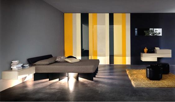 Итальянская кровать на оригинальной подставке с подсветкой