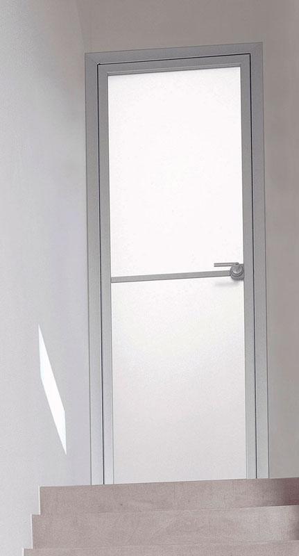 Полупрозрачные межкомнатные двери в алюминиевой раме
