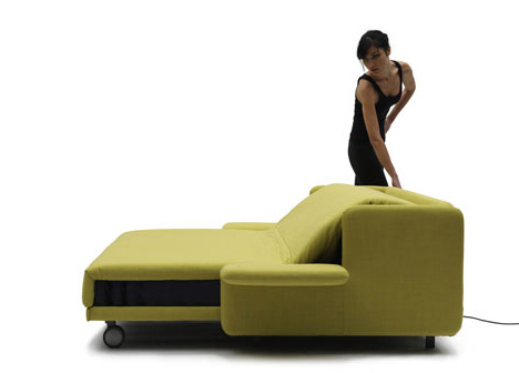 Само-раскладывающийся диван на электрической тяге