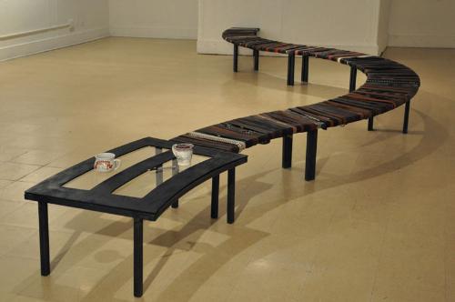 Журнальный столик и скамейка