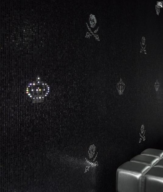 Блестки на черном фоне. Плитка для ванной