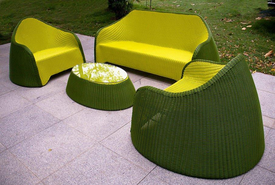 Плетеная мебель для дачи из искусственного ротанга