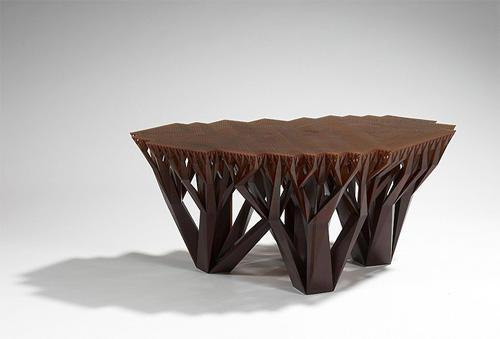 Столик оригинального дизайна