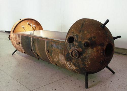 Авторская мебель. Ванна из старой морской мины