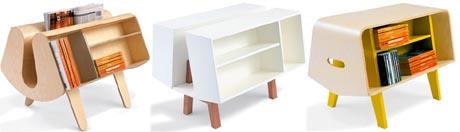 Небольшая полочка для книг на ножках белого цвета