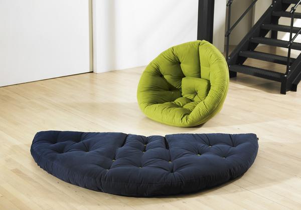 Бескаркасная мебель трансформер; кресло тюфяк