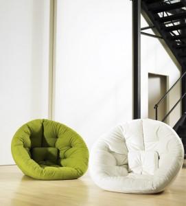 Мягкие кресла тюфяки, которые можно разложить в спальное место