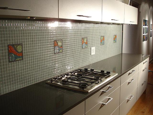 Чередование мелкой плитки и стандартного размера