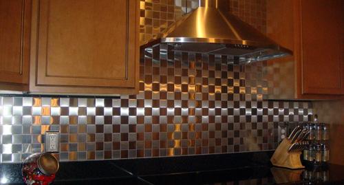 Металлизированная плитка на фартук для кухни