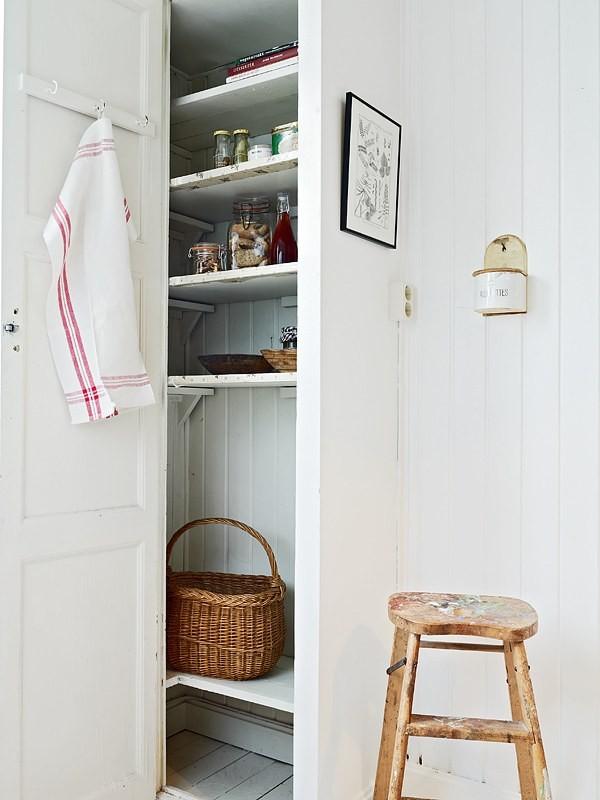 Стенной шкаф в малогабаритной квартире