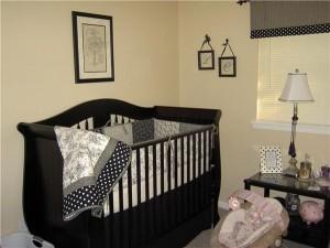 Черная мебель в детской комнате