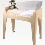 Детская кроватка с прозрачными бортами