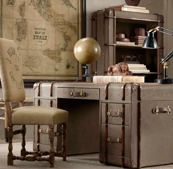 Письменный стол в стиле стимпанк из старых чемоданов