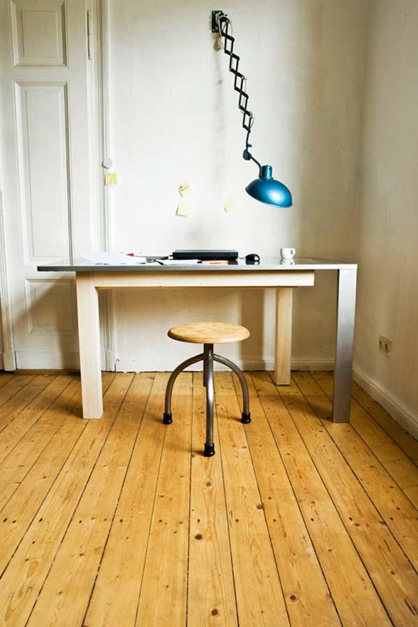 Раскладной рабочий стол в собранном виде