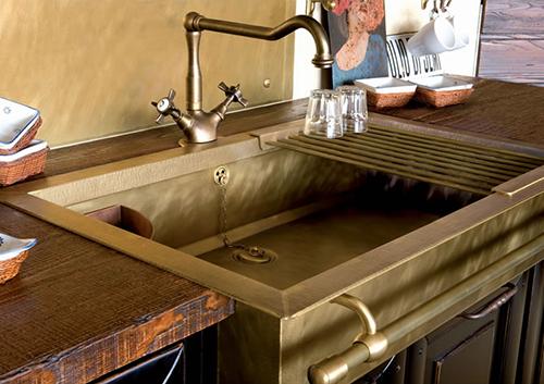 Кухонная мойка из бронзы в ретро-стиле
