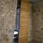 Раздвижные двери в интерьере современного городского дома
