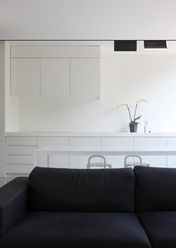 Регулируемая по положению и интенсивности ЛЕД подсветка для дома
