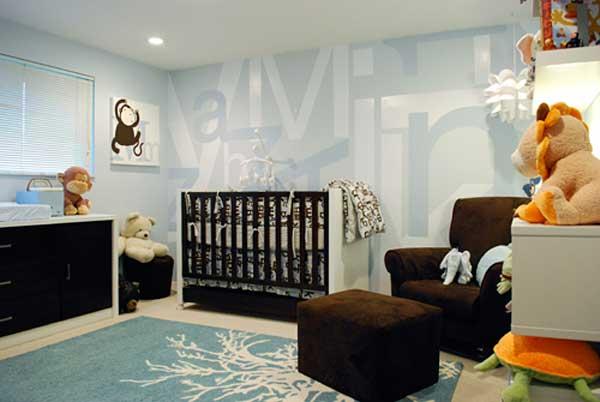 Пример оформления детской комнаты с виниловыми наклейками