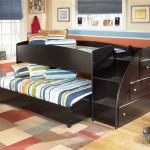 Оригинальная детская кровать черного цвета с широкими ступеньками
