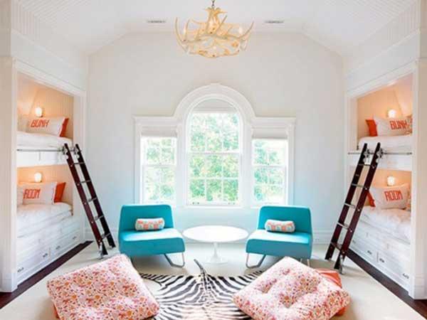 Светлая детская комната для многодетной семьи