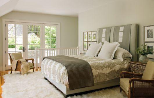 Пример использования серо-коричневой цветовой гаммы в дизайне интерьера спальни