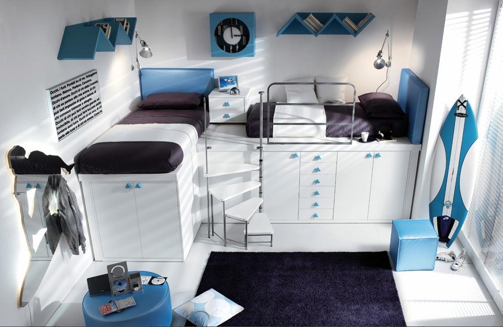 Два спальных места на верхнем этаже