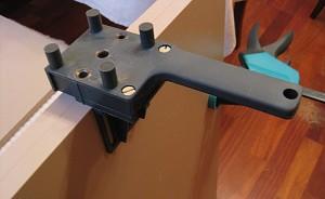 Специальные инструменты для соединения мебельных панелей