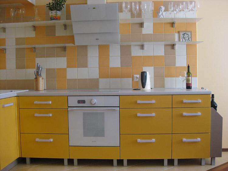 Большая, просторная, удобная и функциональная кухня