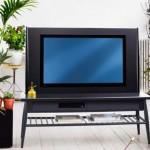 Телевизор со встроенной подставкой в магазине Икеа