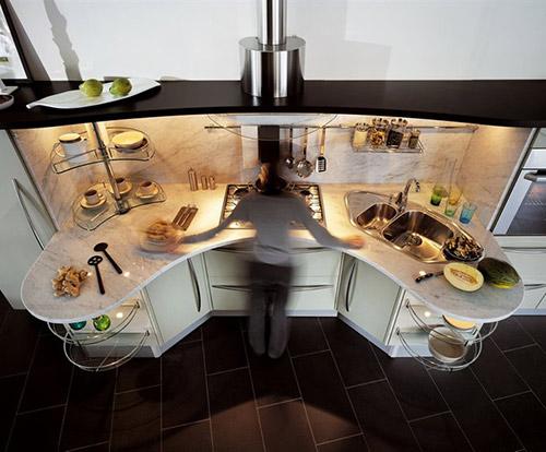 Кухня контрастных черно-белых цветов