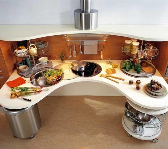 Кухня оригинальной полукруглой формы