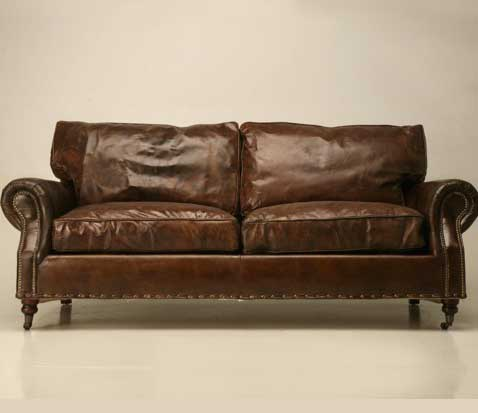 Кожаныйц диван классической формы