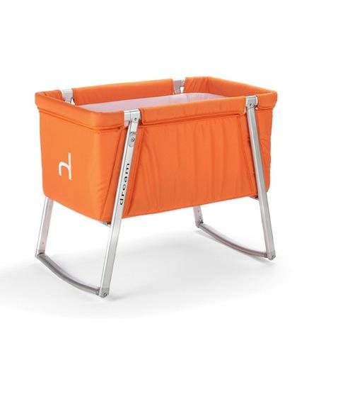 Компактная раскладная детская кроватка