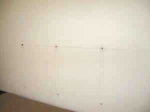 Разметка стены под изголовье для кровати