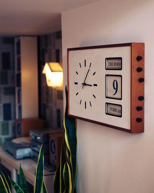Настенные часы стилизованные под середину 20-го века
