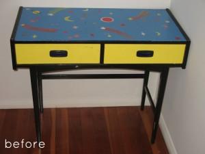 Небольшой стол до переделки своими руками