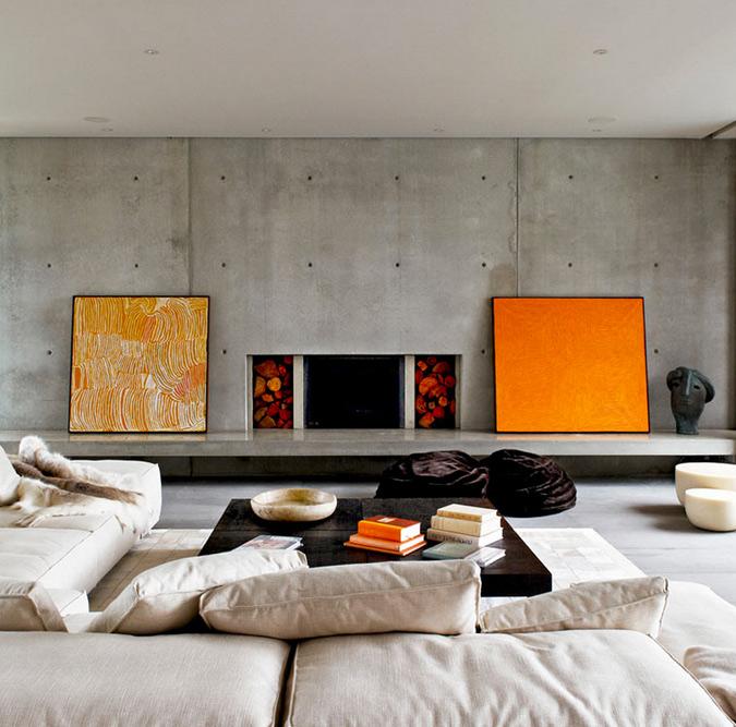 Гостиная с бетонными стенами