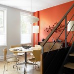 Ярко оранжевая стена как цветовой акцент