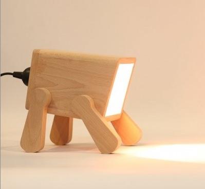 Настольная деревяная лампа