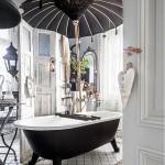 Ванная комната в черно-белом сочетании