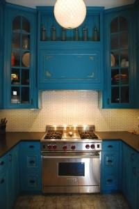 Кухня в бирюзовых тонах