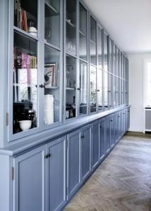 Кухня, покрашенная в нестандартный цвет