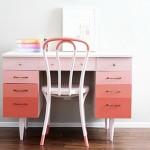 Стол с оригинальной раскраской