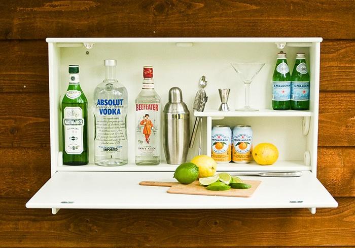 Настенный шкафчик - бар