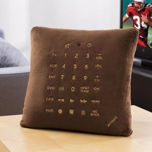 Подушка со встроенным ТВ пультом