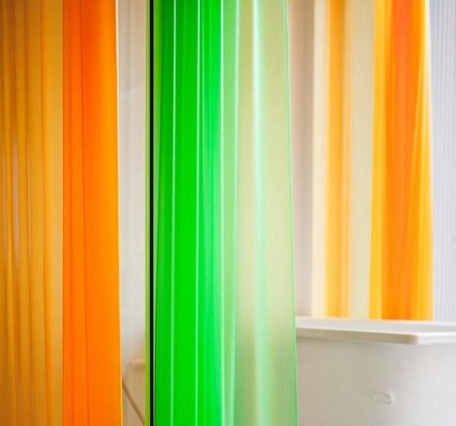 Яркие занавески для ванной