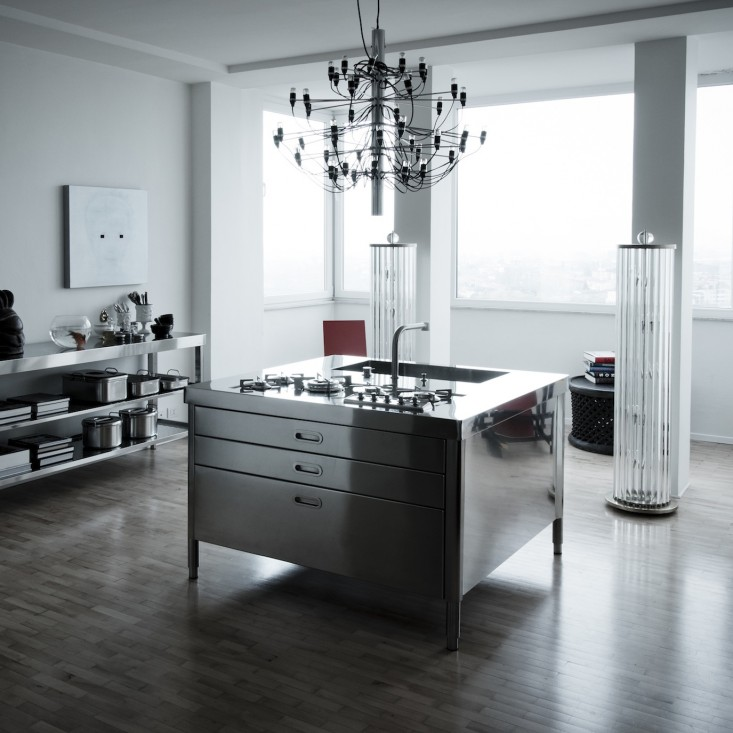 compact-metal-kitchen-01