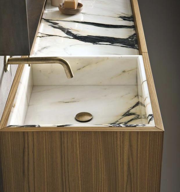 Природный камень в оформлении ванной