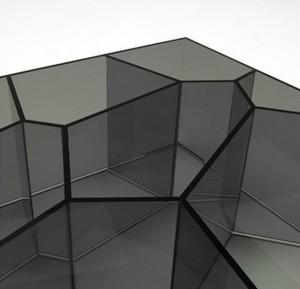 Дизайнерский кофейный столик из стекла