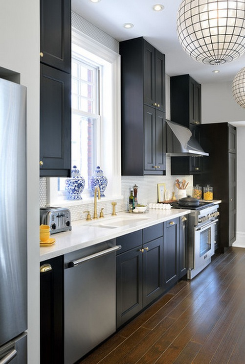 Вытянутая кухня площадью 17 кв м